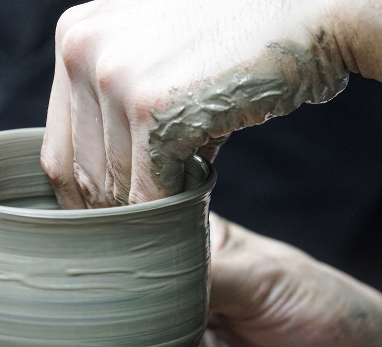 Pottery: Sip and Spin (Feb 8)