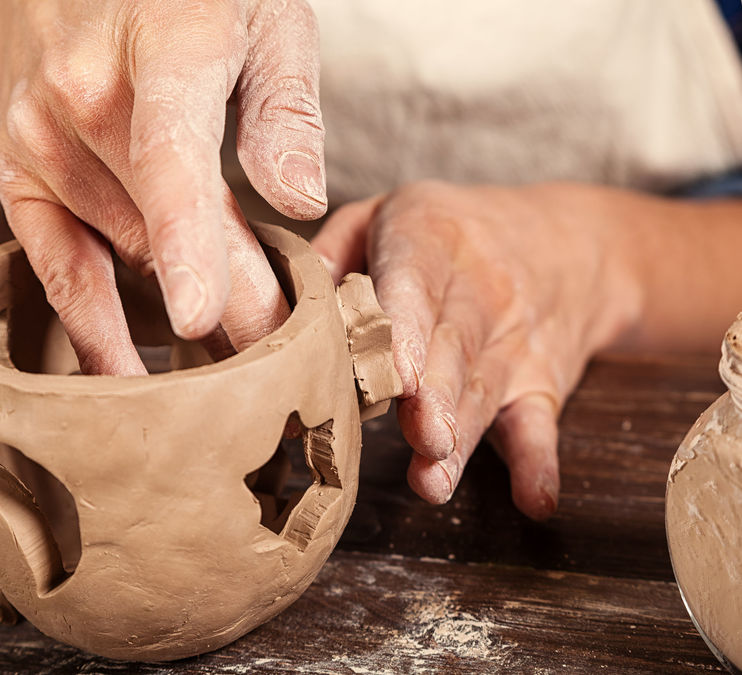 Intermediate/advanced Hand Building with Clay (online)